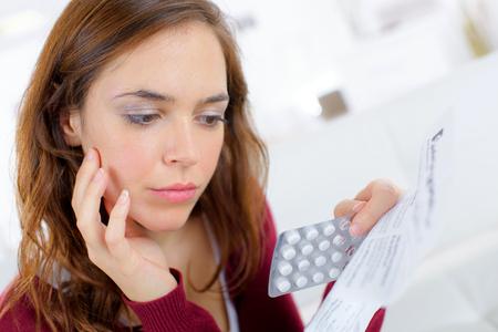 更年期障害に効く薬(ホルモン補充療法)の副作用と注意点を解説